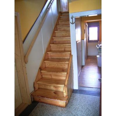 Überarbeitete Treppe in Kiefer geölt