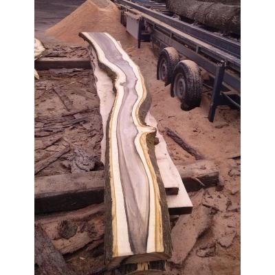 Wallnuss als Schnittholz in verschiedenen Stärken